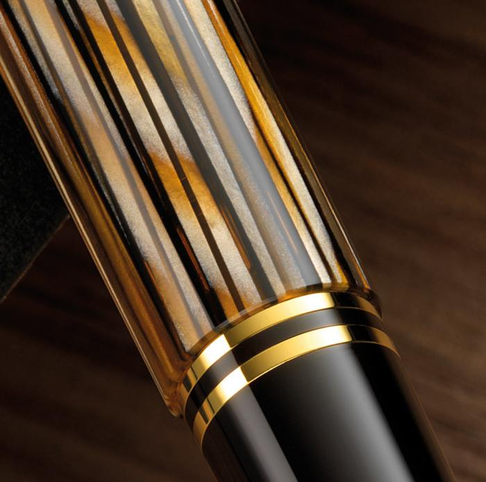 pelikan_m400_tortoise_brown_fountain_pen_barrel