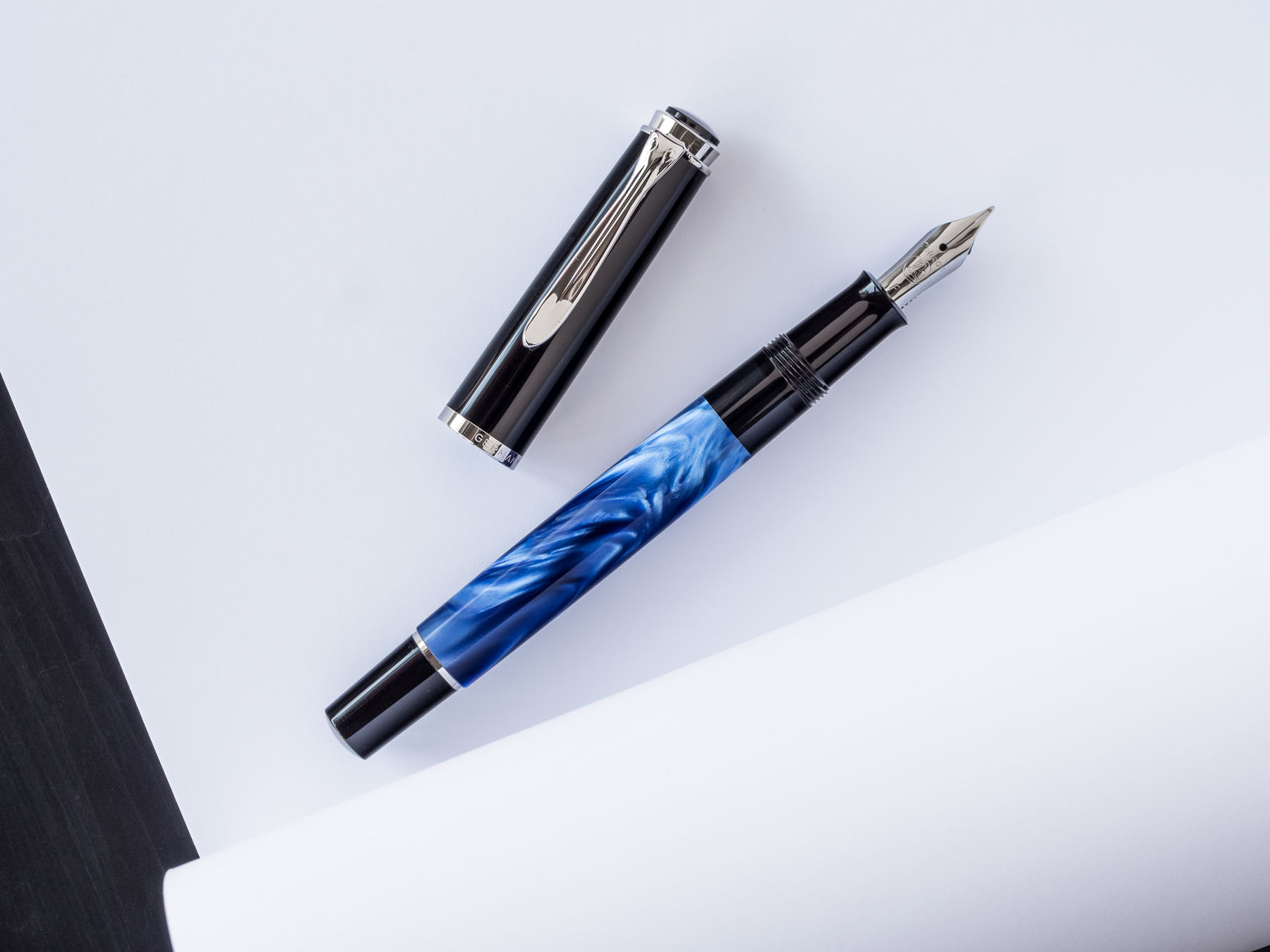 pelikan-m205-blue-marbled-fountain-pen-20