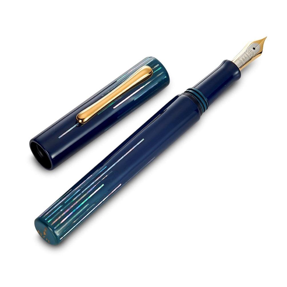 TACCIA-polar-lights-fountain-pen