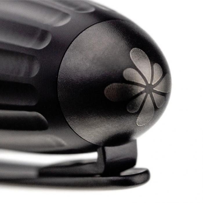 diplomat-aero-black-fountain-pen-cap-detail-nibsmith
