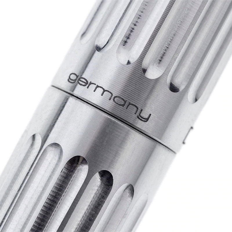 diplomat-aero-factory-fountain-pen-detail-nibsmith
