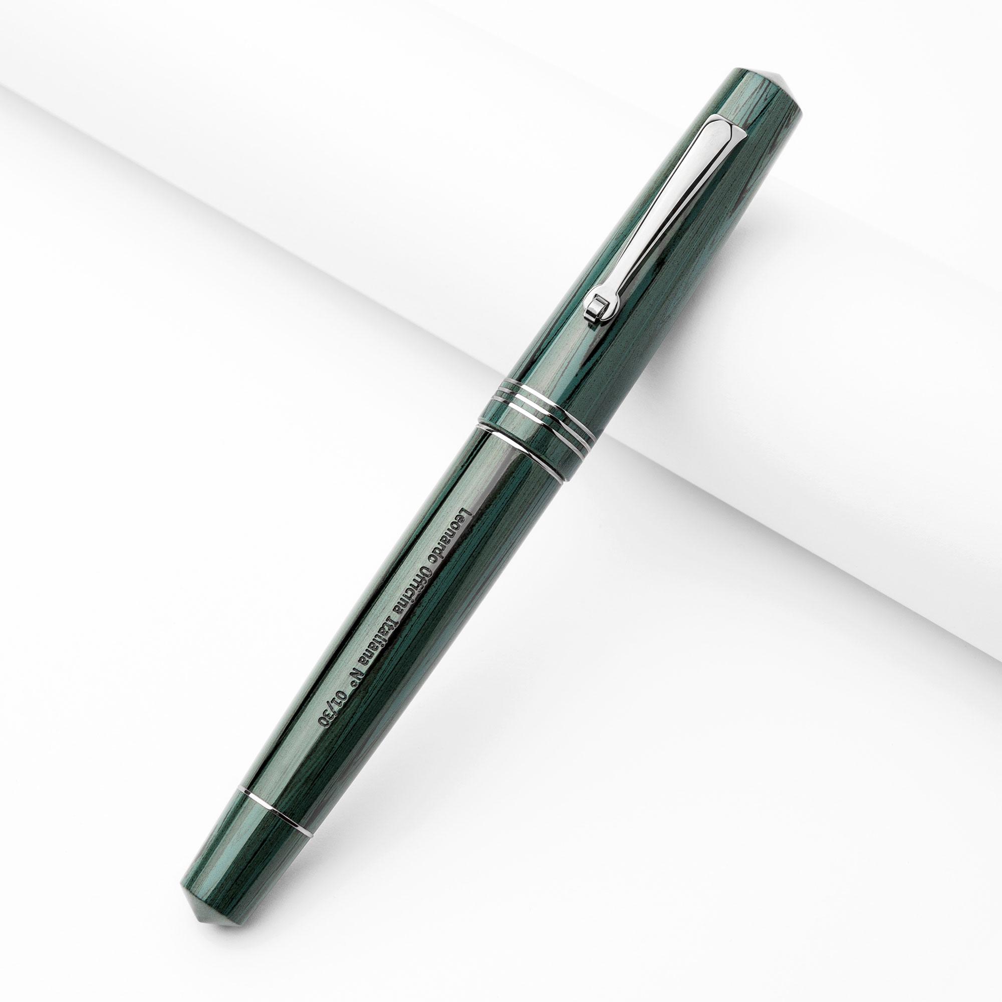 leonardo-olive-eboinite-fountain-pen-capped-nibsmith