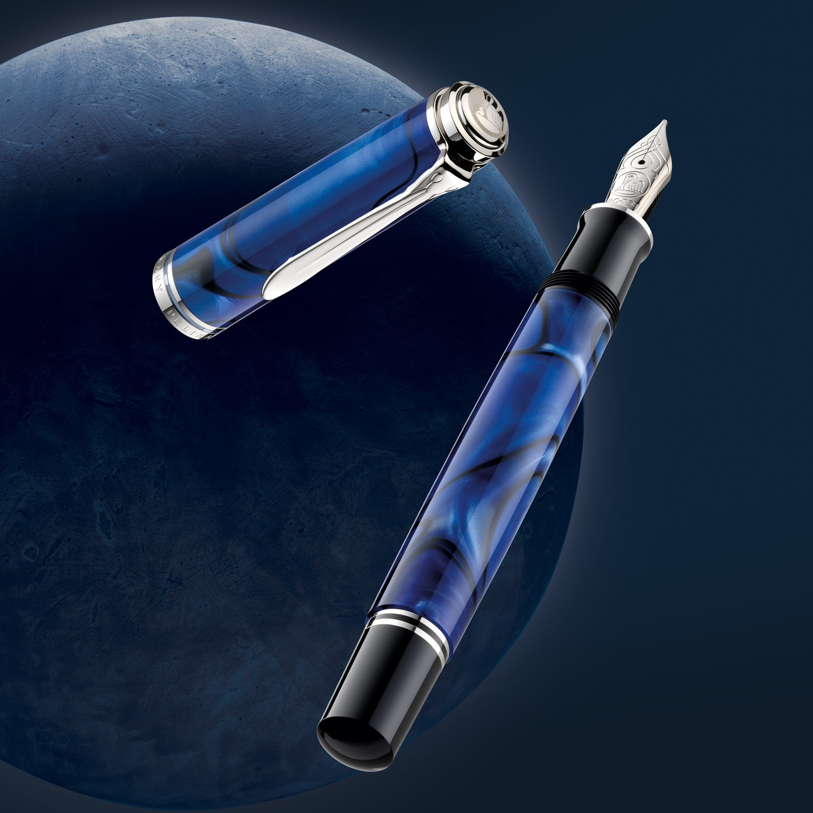 pelikan-m805-blue-dunes-heroshot-sideways_vierkant