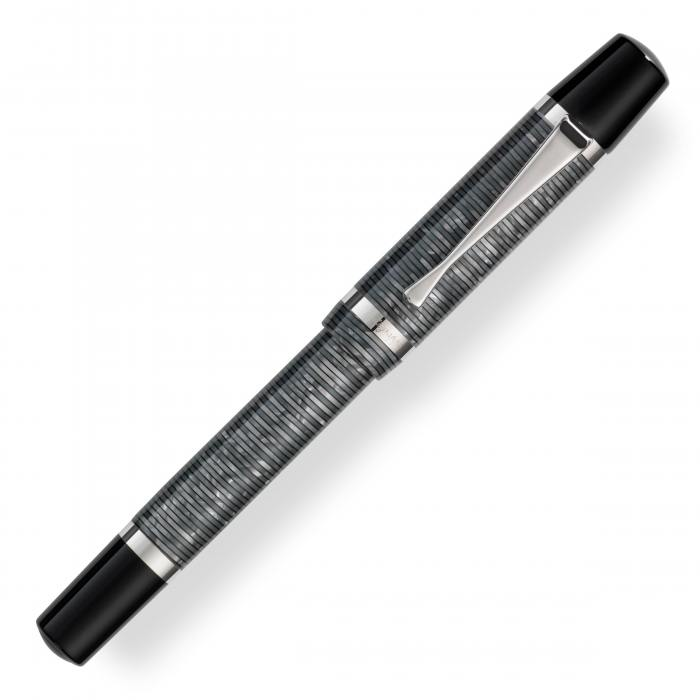 montegrappa-nazionale-flex-shiny-circles-fountain-pen-capped-nibsmith