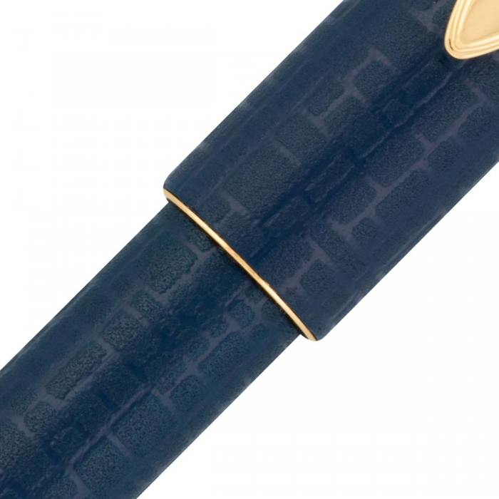 Pilot-Ishime-Blue-fountain-pen-capped-closeup-nibsmith